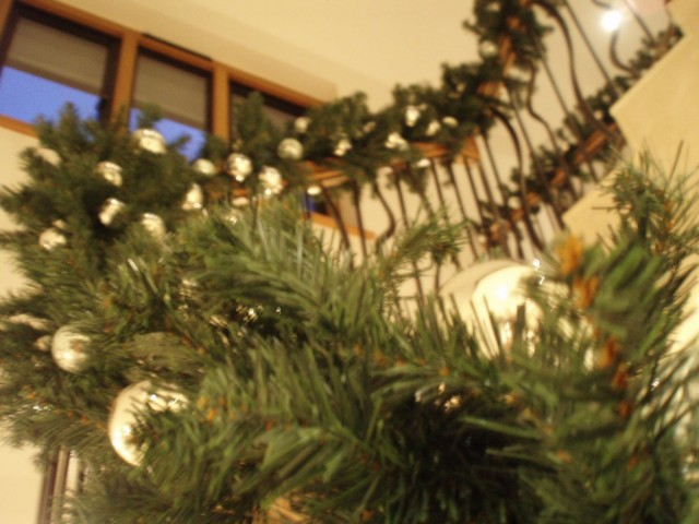 artificial bannister garlands